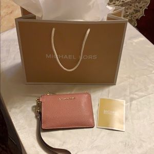 *New Michael Kors coin purse